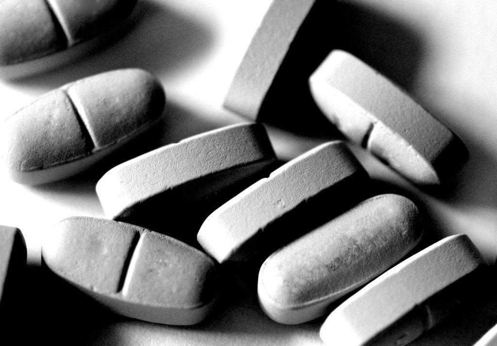 pills-1327074