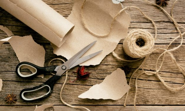How to Gift Wrap the Eco-Friendly Way