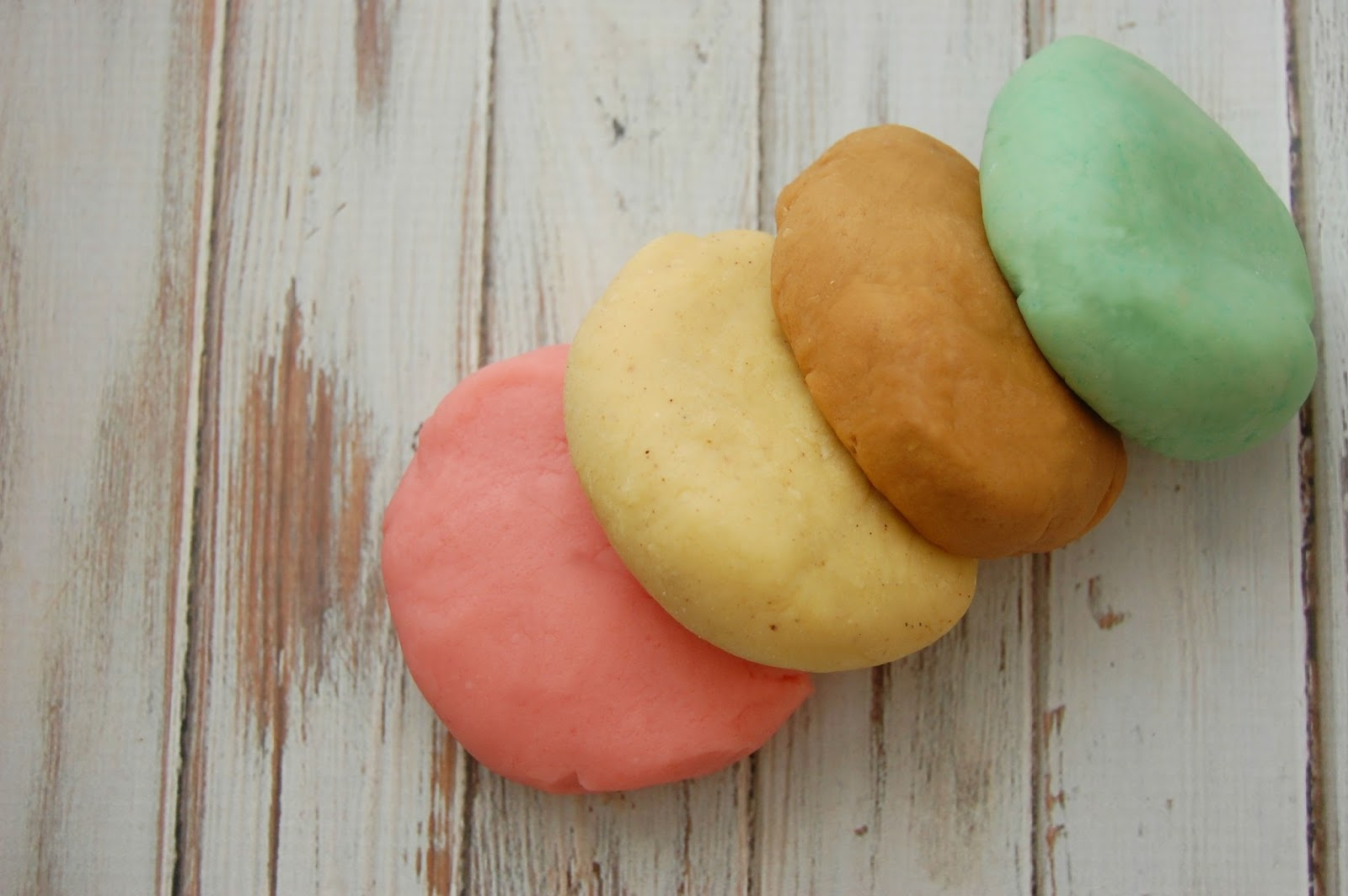 Playdough made with Natural Colors