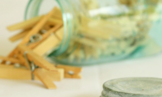 10 Ways to Go Natural in the Laundry Room
