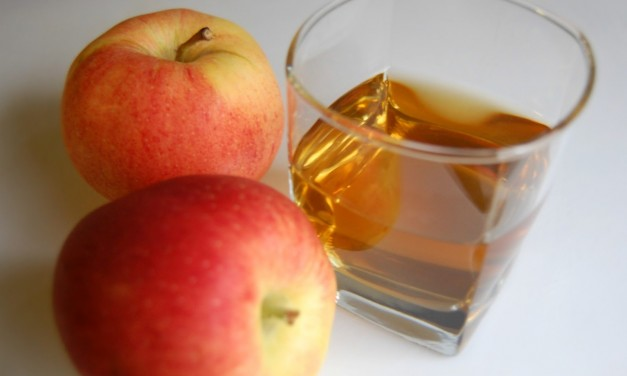 10 Reasons to Drink Apple Cider Vinegar